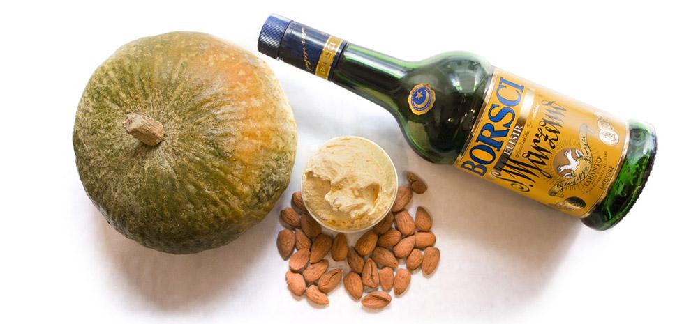 Crema di zucca con Pan di Spagna imbevuto nel San Marzano e granella di Mandorle D'Avola.
